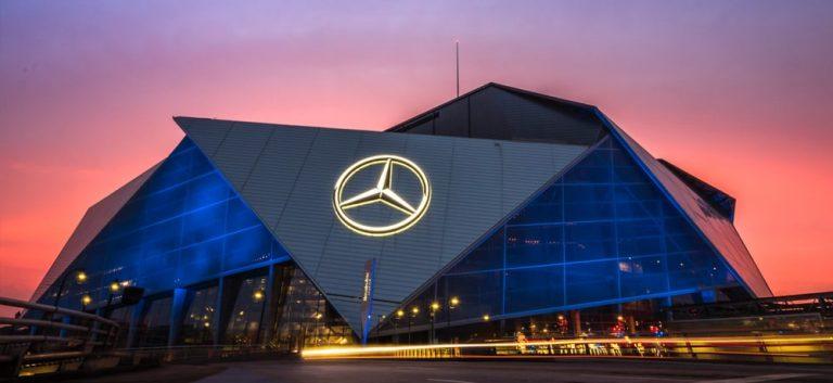 Mercedes-Benz Stadium, Super Bowl Atlanta, photo by Graphiknation